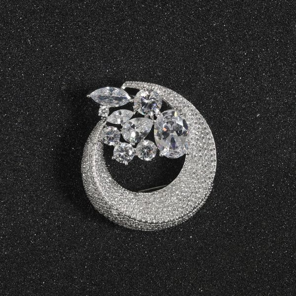 Fashion Chand Zircon Brooch