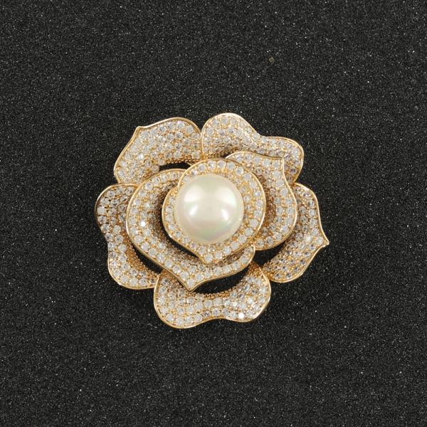 Fashion Floral Pearl Brooch