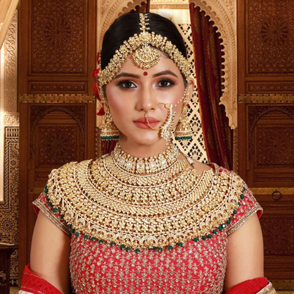 Beautiful Heavy Bridal Necklaces With Kundan