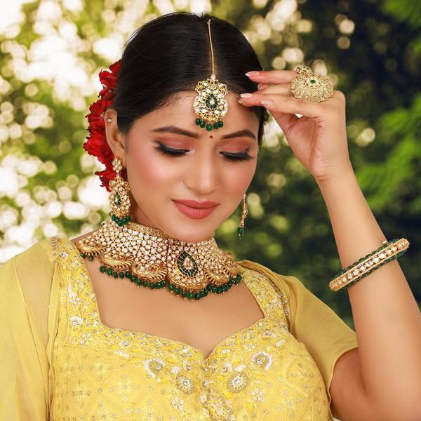 Uncut Kundan Green Choker For Bride And Bridesmaids