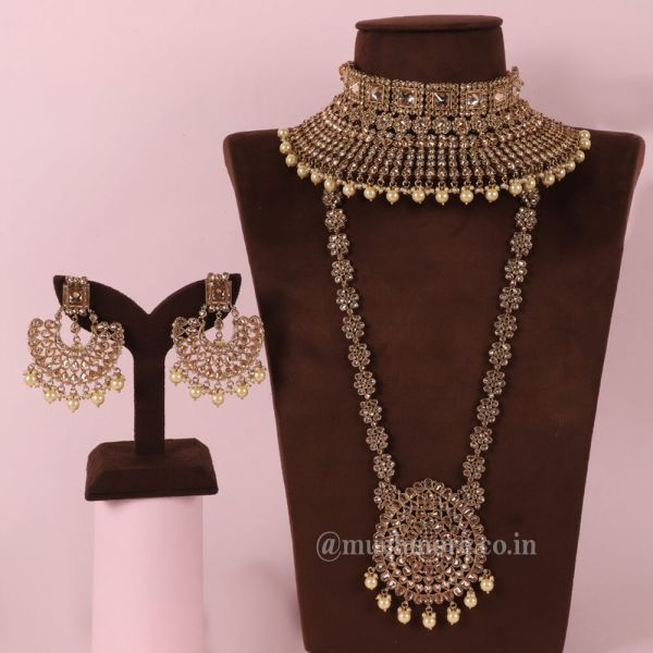 Gold Tone Bridal Necklace With All Accessories