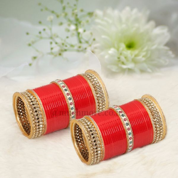 Red Bridal Chura With Antique Kangans