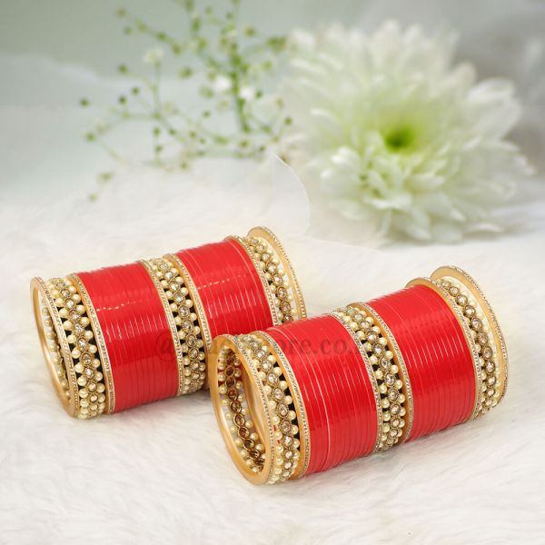 Red Bridal Chooda With Antique Bangles
