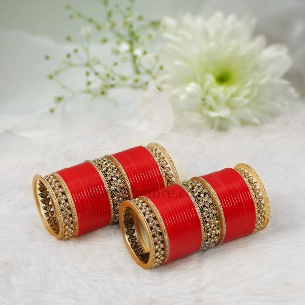 Traditional Red Bridal Chura With Antique Bangles