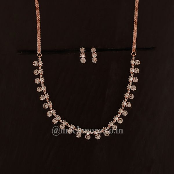 Light Rose Gold Diamond Necklace In Luxurious Look