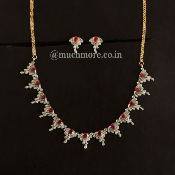 Simple And Light Ruby Necklace With Tops
