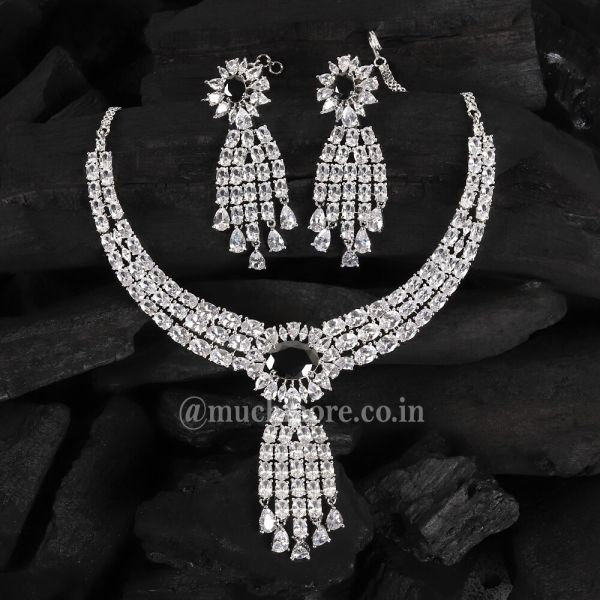 Latest Design Of Black And Silver Polish Diamond Necklace Set