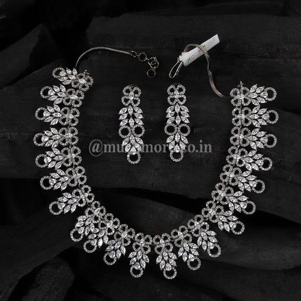 Antique Look Black Polish Diamond Necklace