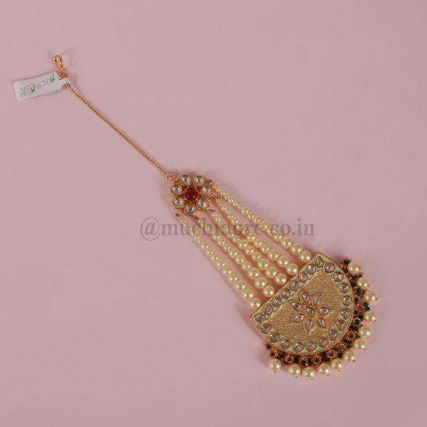 Kundan & Pearls Jhoomar Passa Style Maang Tikka With Hold Chain