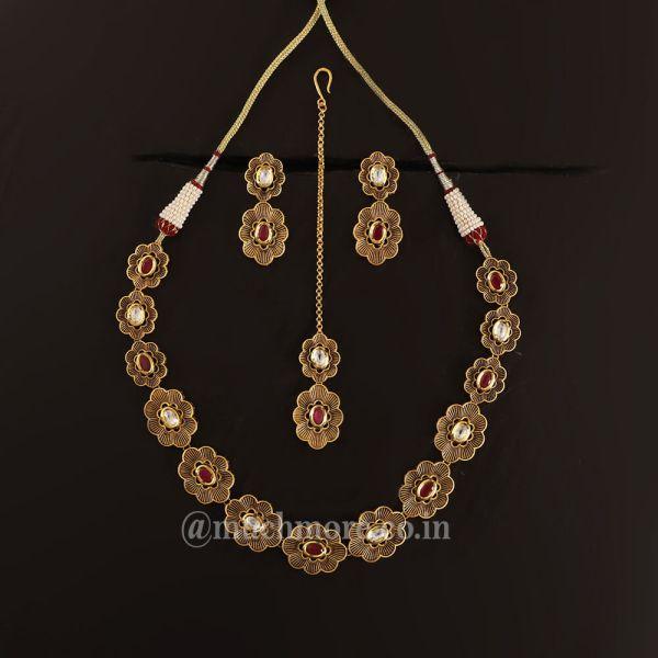Traditional Flower Shape Kundan Necklace Earring Set