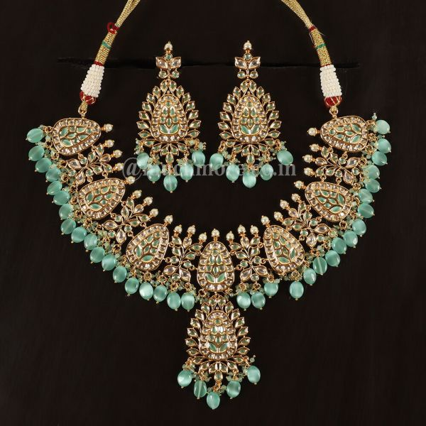 Finely Handcrafted Jadau Kundan Necklace With Big Earring