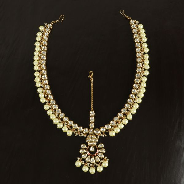 Gold Kundan Matha Patti with Pearl Dropping
