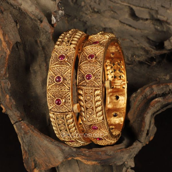 Traditional Gold Look Ruby Color Bangles Set