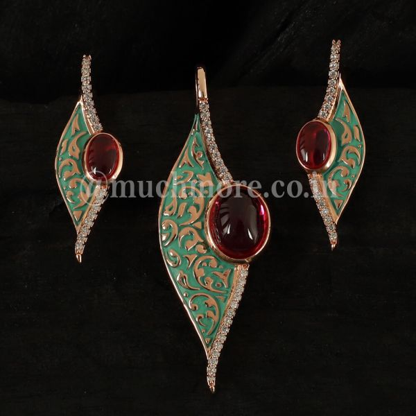 New Collection Of Kundan Pendant Set