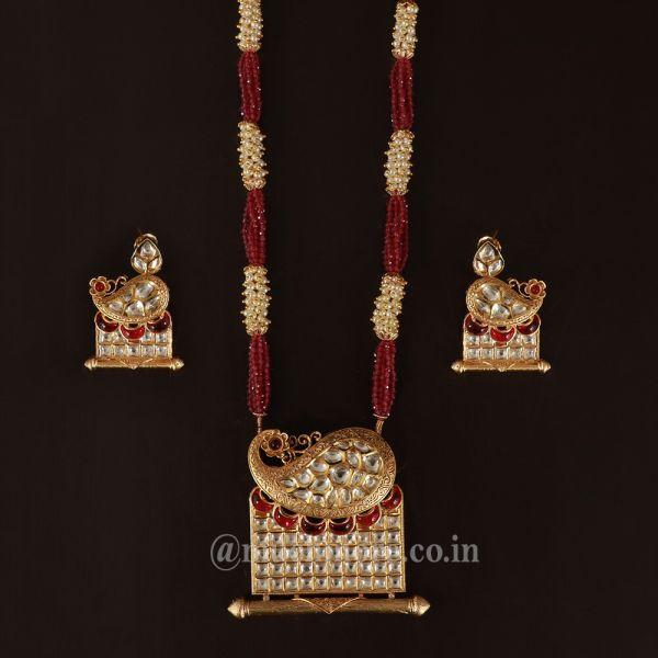 Fusion Traditional Beaded Kundan Pendant Set With Earring