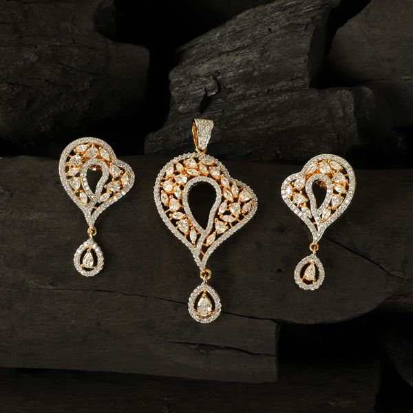 Cubic Zircon Diamond Pendant Set