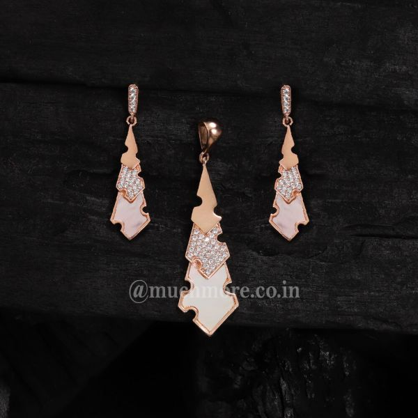 Western Look AD Pendant Set For Girl Mother Of Pearl Pendant