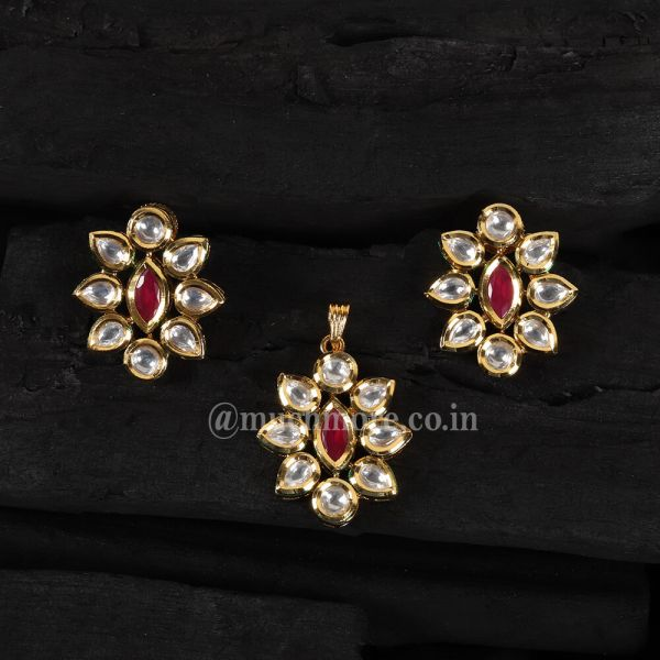Gold Plated Ruby Studded Kundan Pendant Set