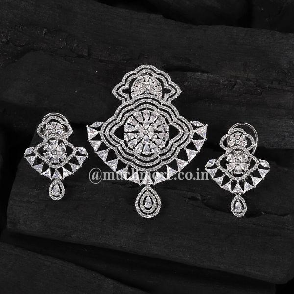 Gorgeous Silver Polish Diamond Pendant Set