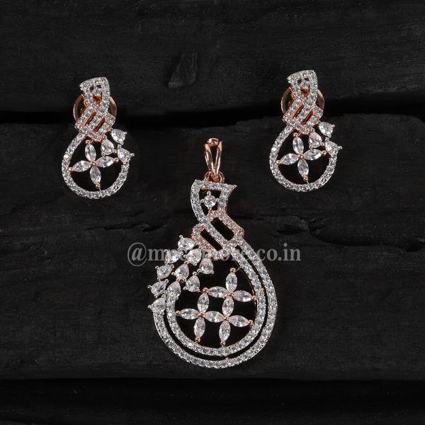 Nicely Crafted Diamond Pendant Set