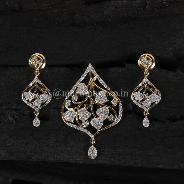 Gold Polish Diamond Pendant Set