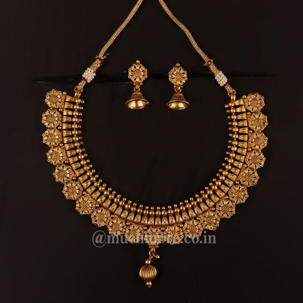 Buy latest Necklace Sets For Women Online