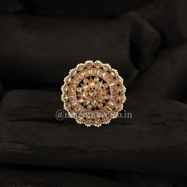 Round Shape Stone-Studded Classic Ring