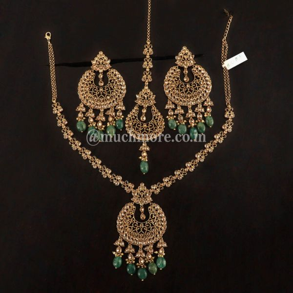 Pendant Style Green Necklace With Big Earring Tikka