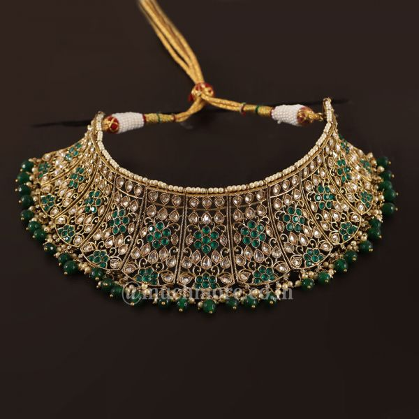 Stunning Emerald Green Choker Necklace For The Bride