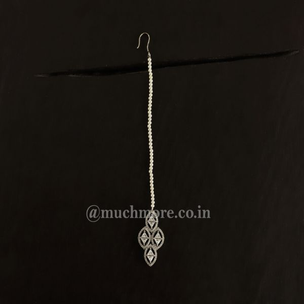 White AD Maang Tiika With Beads String