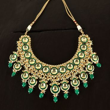Green-kundan-necklace-set-2634