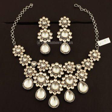 Victorian Polish Embellished With Big Kundan Jewellery